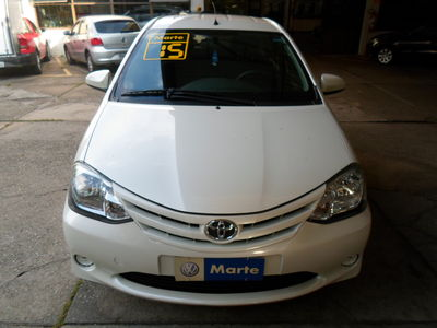 Toyota Etios Hatch X 1.3L Flex 2015}