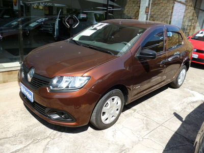 Renault Logan Authentique 1.0 16V (Flex) 2014}