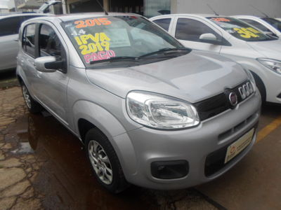 Fiat Uno Vivace 1.4 2015}