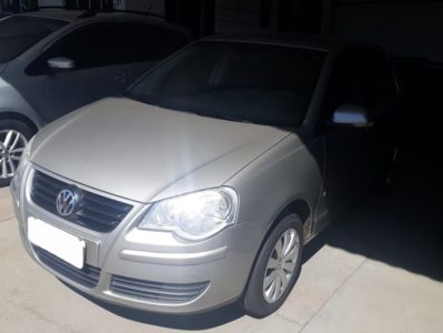 Volkswagen Polo Sedan 1.6 8V (Flex) 2011}