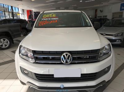 Volkswagen Amarok Trendline 2.0 CD 4x4 (série Dark Label) (Aut) 2016}