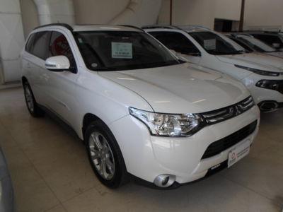 Mitsubishi Outlander 2.0 16V (aut) 2015}