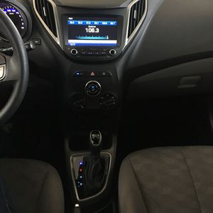 Hyundai HB20S Comfort Plus blueMedia 1.6 AT 2018}