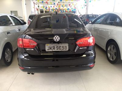 Volkswagen Jetta Highline 2.0 TSI I-Motion 2013}