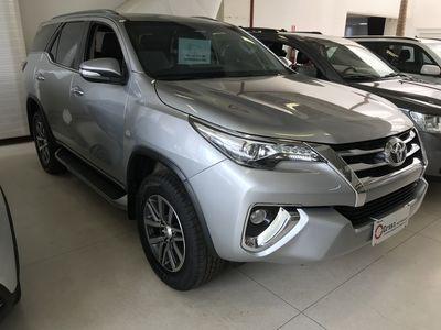 Toyota SW4 SRX 4.0L V6 4x4 Gasolina 2017}