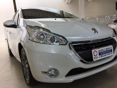 Peugeot 208 Griffe 1.6 2015}
