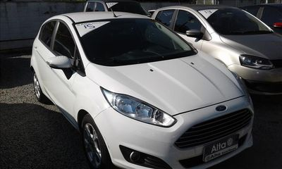 Ford New Fiesta Hatch SE 1.6 AT (Flex) 2016 2015}