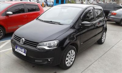 Volkswagen Fox 1.6 MI 8V FLEX 4P MANUAL 2014}