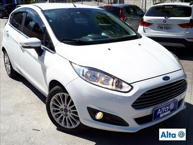 Ford New Fiesta Hatch 1.6 Titanium PowerShift 2015}