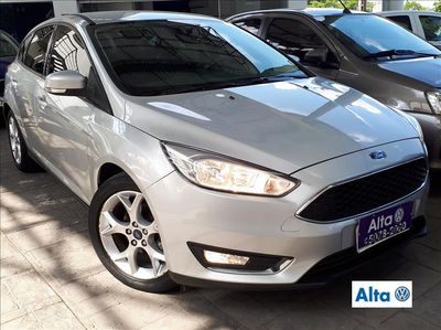 Ford Focus Hatch SE Plus 2.0 AT 2016}
