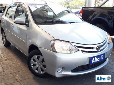 Toyota Etios Hatch Etios X 1.3 (Flex) 2015}
