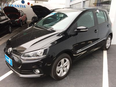 Volkswagen Fox Highline 1.6 MSI (Flex) 2017}