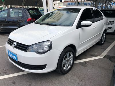 Volkswagen Polo Sedan 1.6 8V (Flex) 2012}