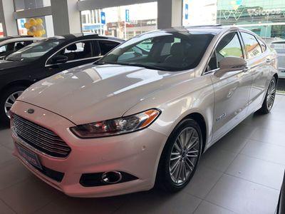 Ford Fusion Hybrid TITANIUM Hybrid  2015}
