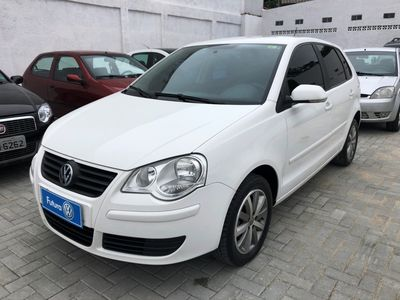 Volkswagen Polo Hatch . 1.6 8V (Flex) 2012}