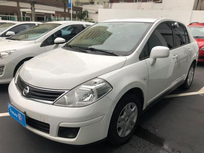 Nissan Tiida Sedan 1.8 16V (Flex) 2012}