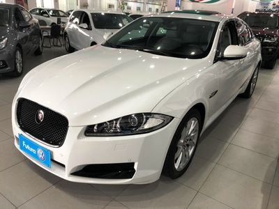 Jaguar XF 2.0 Luxury 2015}