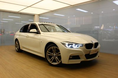 BMW 320i M Sport 2.0 GP Turbo (Aut) 2017}