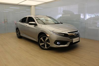 Honda Civic Touring 1.5 Turbo (Aut) 2018}