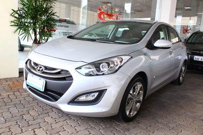 Hyundai i30 1.8 2015}