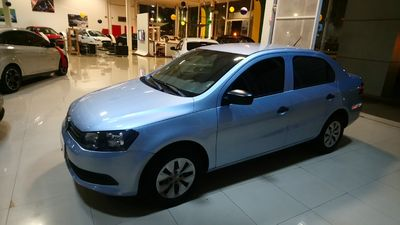 Volkswagen Voyage 1.6 Mi 8V Total Flex 2015}