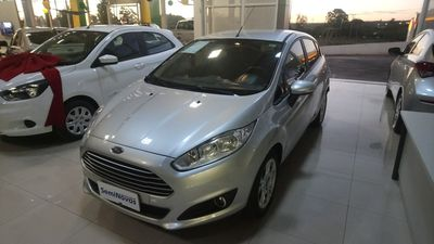 Ford New Fiesta Hatch SE 1.6 AT (Flex) 2016 2014}