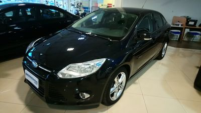 Ford Focus Sedan SE Plus 2.0 16V PowerShift (Aut) 2014}