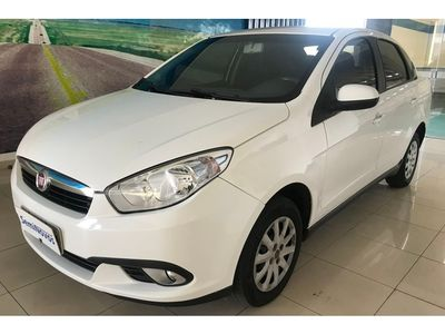 Fiat Grand Siena Attractive 1.4 8V (Flex) 2013}