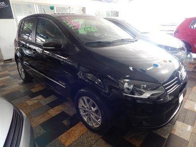 Volkswagen Fox 1.6 VHT Highline I-Motion (Aut) (Flex) 2014}