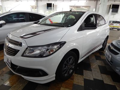 Chevrolet Onix 1.4 Effect 8V Flex 4p 2015}
