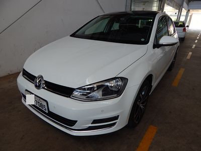 Volkswagen Golf Highline 1.4 TSI (Aut) 2016}