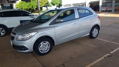 Chevrolet Onix 1.0 LT 2014}