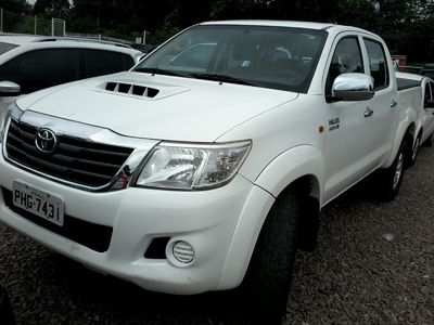 Toyota Hilux Cabine Dupla SR A/T 3.0 4x4 2015}
