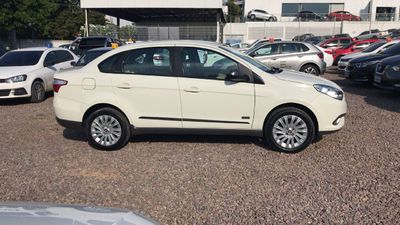 Fiat Grand Siena Essence Dualogic 1.6 16V (Flex) 2016}
