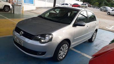 Volkswagen Polo Sedan 1.6 8V (Flex) 2013}