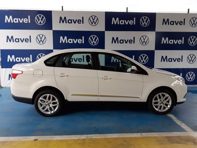 Fiat Grand Siena Essence 1.6 16V (Flex) 2013}