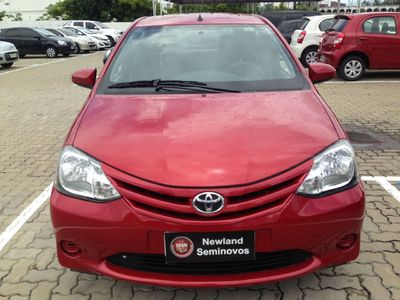 Toyota Etios Hatch Etios X 1.3 (Flex) 2014}