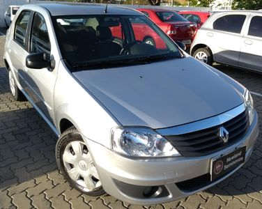 Renault Logan Expression 1.6 8v (Flex) 2011}