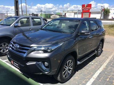 Toyota SW4 SRX 2.8L 4x4 Diesel 2016}
