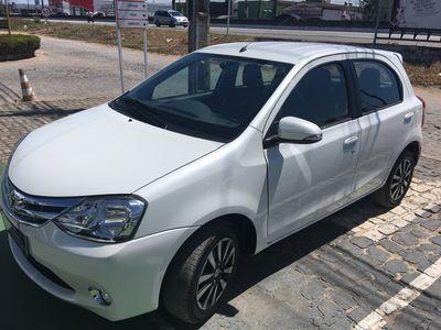 Toyota Etios Hatch Platinum 1.5L Flex 2015}