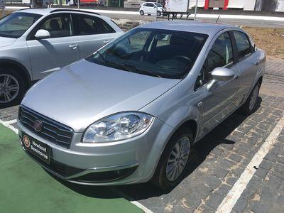 Fiat Linea 1.8 16V Essence Dualogic 2015}