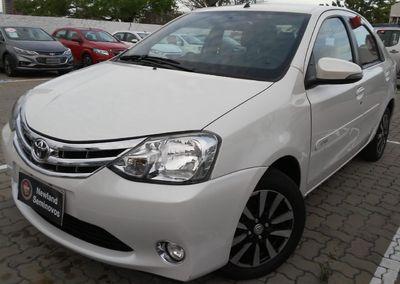 Toyota Etios Sedan Platinum 1.5L Flex 2015}