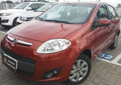 Fiat Palio Attractive 1.4 8V (Flex) 2014}