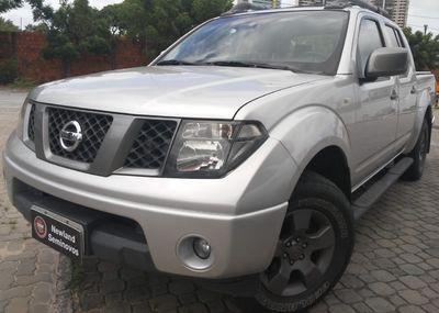 Nissan Frontier LE Attack 2.5 4X4 (Cab.Dupla) (aut) 2013}
