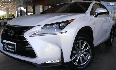 Lexus NX 200T Luxury 2.0 2017}