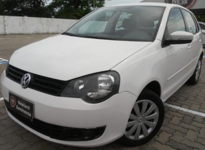 Volkswagen Polo Hatch 1.6 VHT Total Flex 2013}