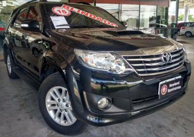Toyota SW4 SRV 3.0 4x4 7 Lugares 2015}
