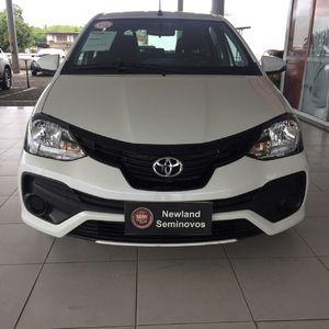 Toyota Etios Hatch X Plus 1.5 2019}