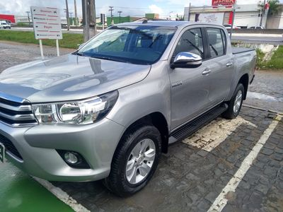 Toyota Hilux Cabine Dupla SRV A/T 4x4 Diesel 2016}