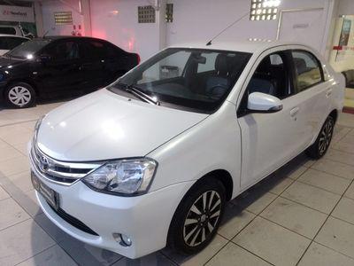 Toyota Etios Sedan Platinum 1.5L Flex 2016}